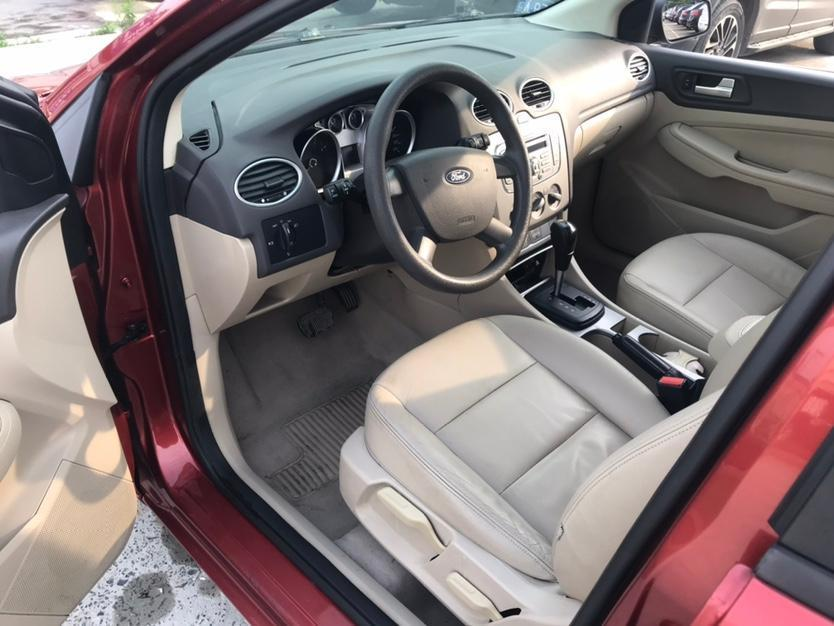 福特 福克斯  2012款 三厢经典 1.8L 自动时尚型图片