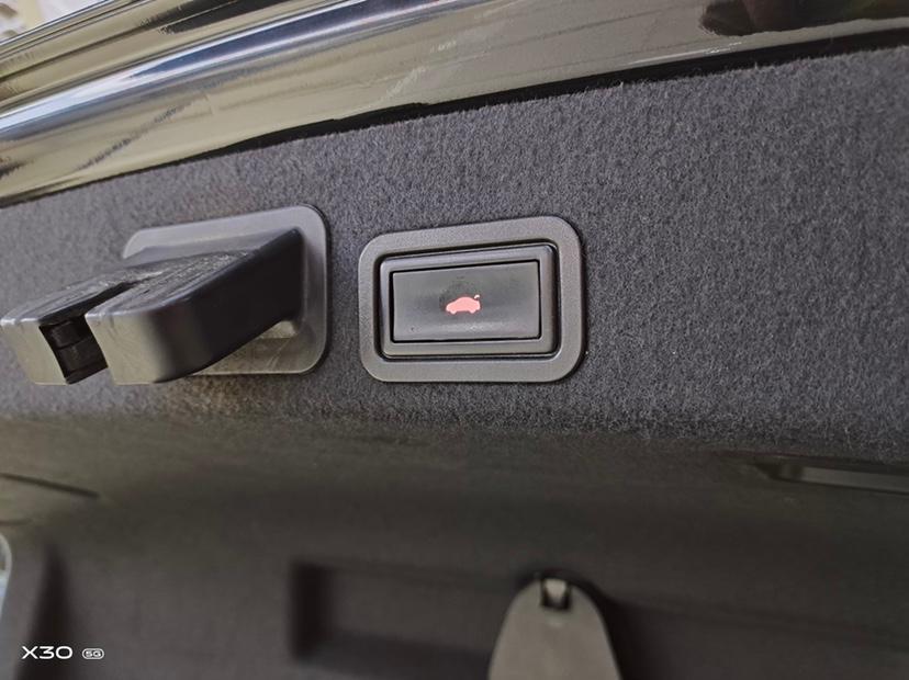 奥迪 奥迪A6L  2012款 50 TFSI quattro 豪华型图片