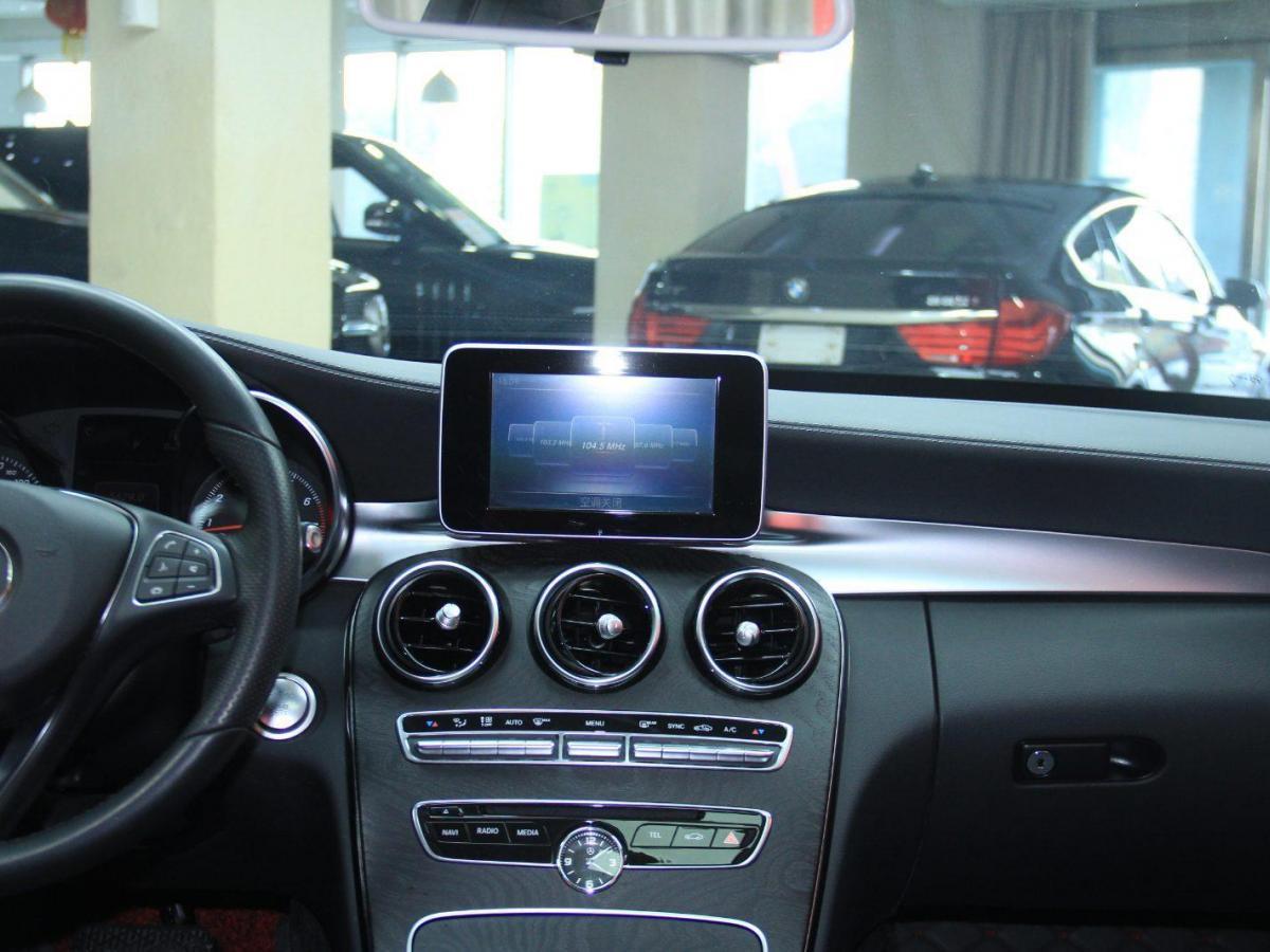 奔驰 奔驰C级  2017款 改款 C 180 L 动感型运动版图片