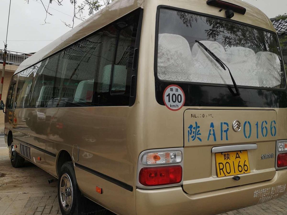 金旅 金旅考斯特  2012款 2.7L汽油版JM495QF-Ⅲ图片