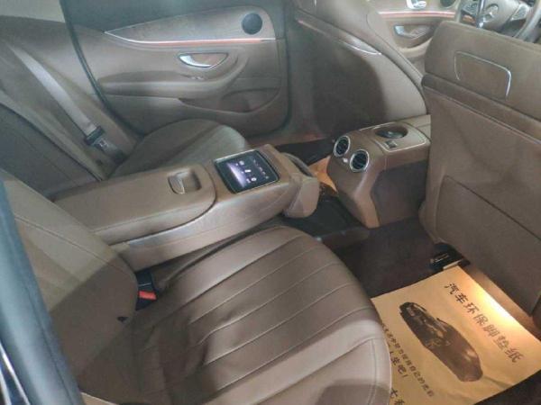 奔驰 E级  E320L 3.0T 4MATIC图片