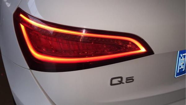 奥迪 奥迪Q5  Q5 2.0 TFSI 40 TFSI 技术型图片