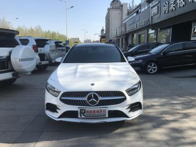 奔馳 奔馳A級  2019款 A 180 L 運動轎車圖片