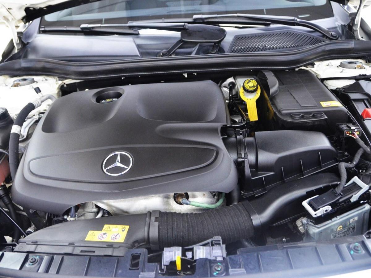 奔驰 奔驰GLA  2015款 GLA 200 时尚型图片