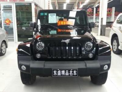 Jeep 牧马人  2.8 TD 四门舒享版 Sahara