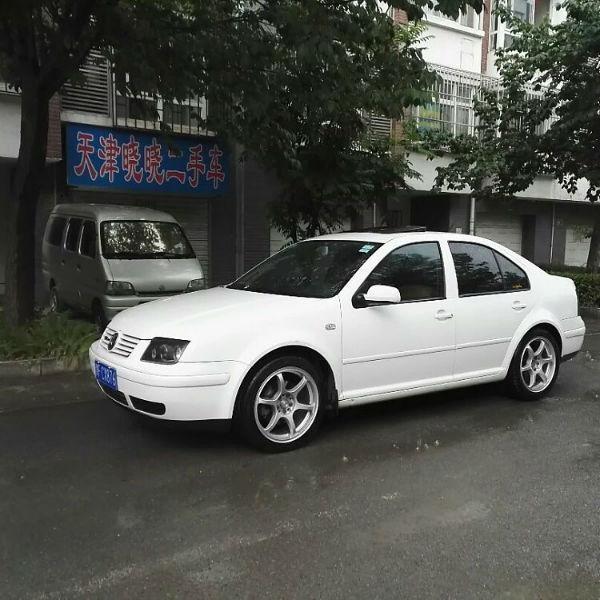 【天津】2004年6月 大众 宝来 1.6 基本版 白色 手动挡