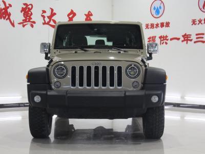 Jeep 牧马人  2015款 3.0L Sahara 四门版图片