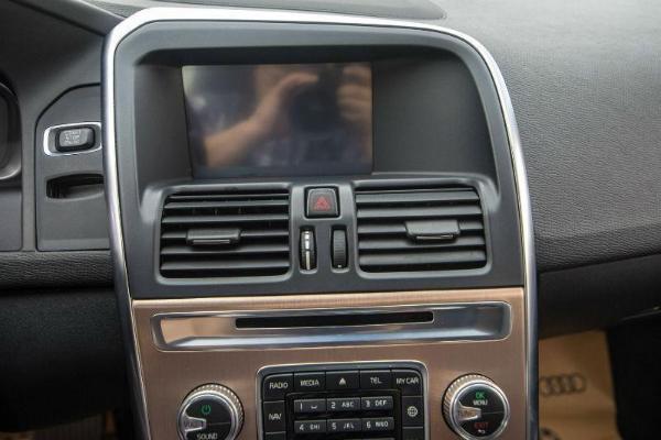 沃尔沃 XC60  2.0T T5 智进版图片