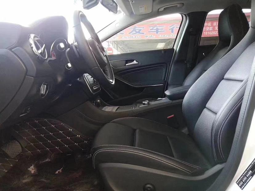 奔驰 奔驰GLA  2017款 GLA 200 时尚型图片