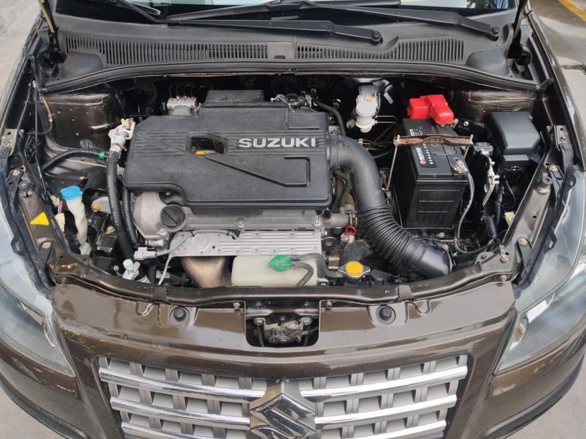 铃木 天语 SX4  2008款 两厢 1.6L 自动锐骑豪华型图片