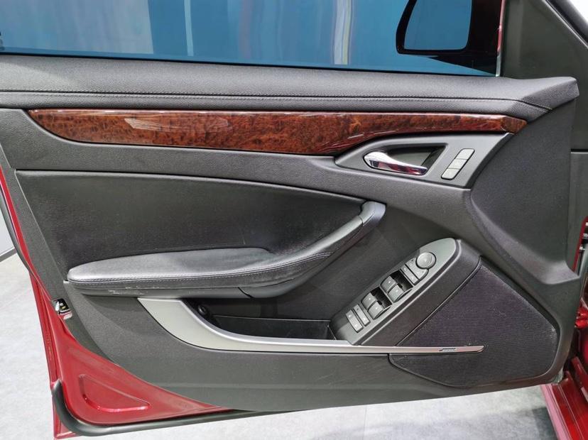 凯迪拉克 CTS  2010款 3.0豪华运动版图片