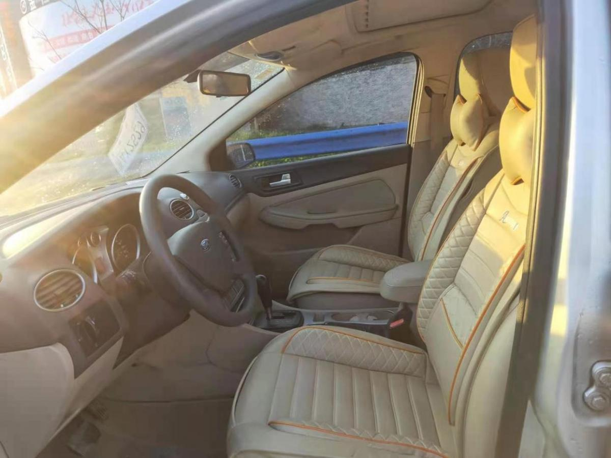 福特 福克斯  2009款 三厢 1.8L 自动时尚型图片