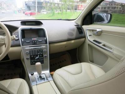 2010年5月 沃尔沃 XC60 3.0T 智尊版 AWD 涡轮增压图片