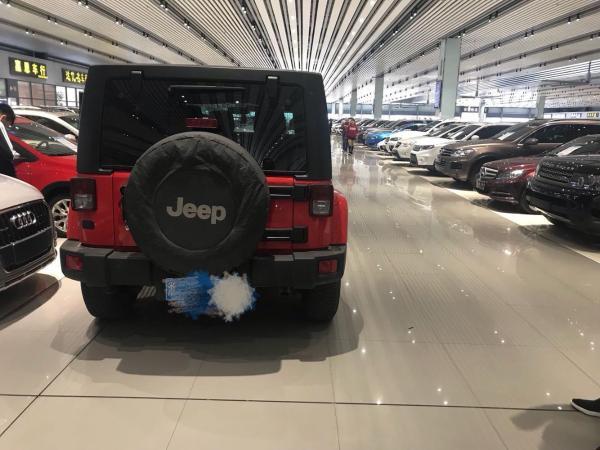 Jeep 牧马人  3.0 Sahara 75周年致敬版图片