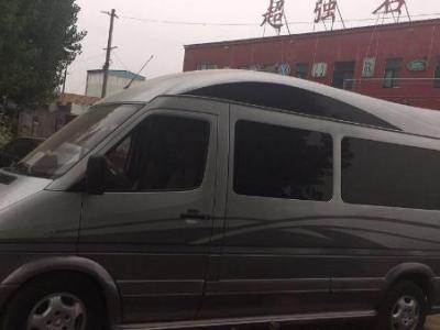 奔驰 凌特 厢式车 2.1T 110kw图片