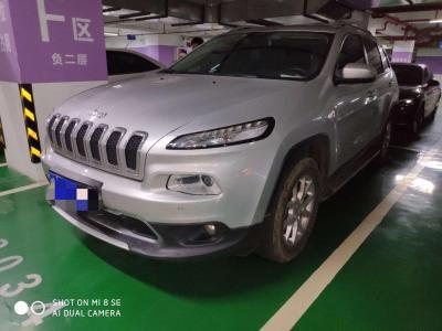 2017年3月 Jeep 自由光 2.4L 專業智能版圖片