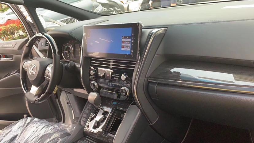 雷克萨斯 LM  2020款 300h 四座御世版图片