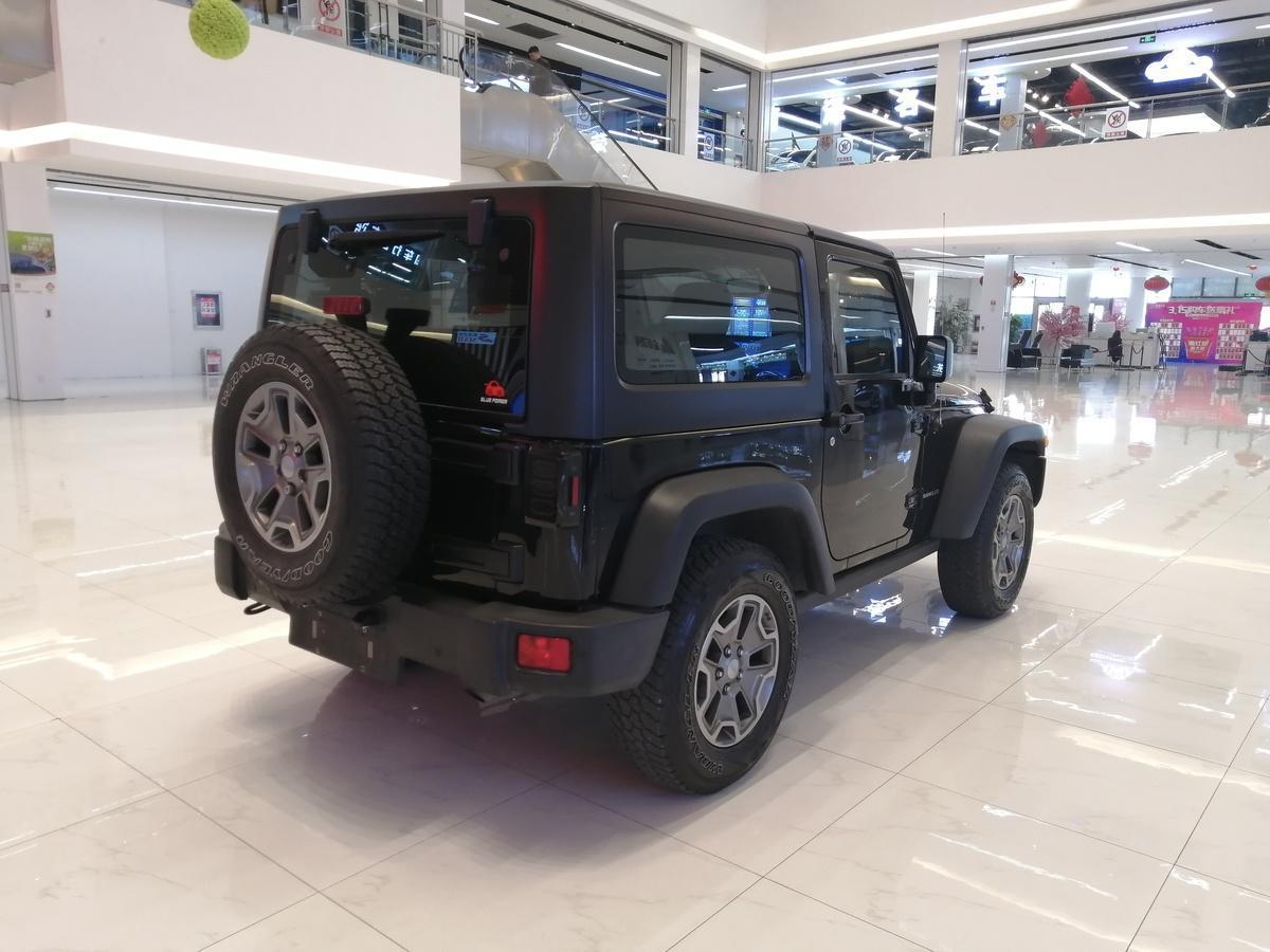 Jeep 牧马人  2015款 3.6L Rubicon 两门舒享版图片