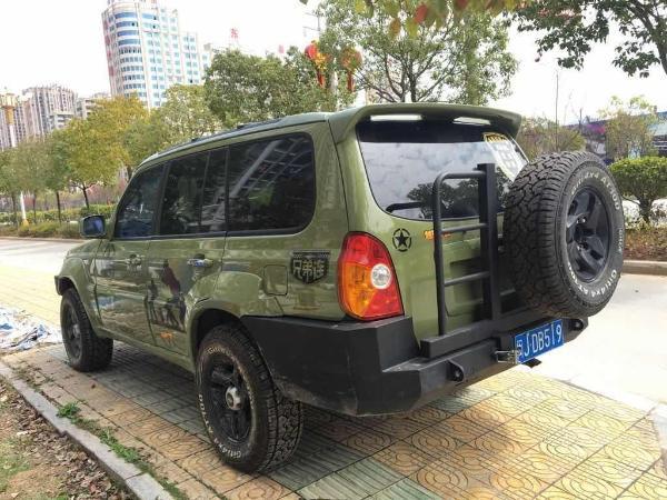 现代特拉卡3.奔驰GLA白改粉图片