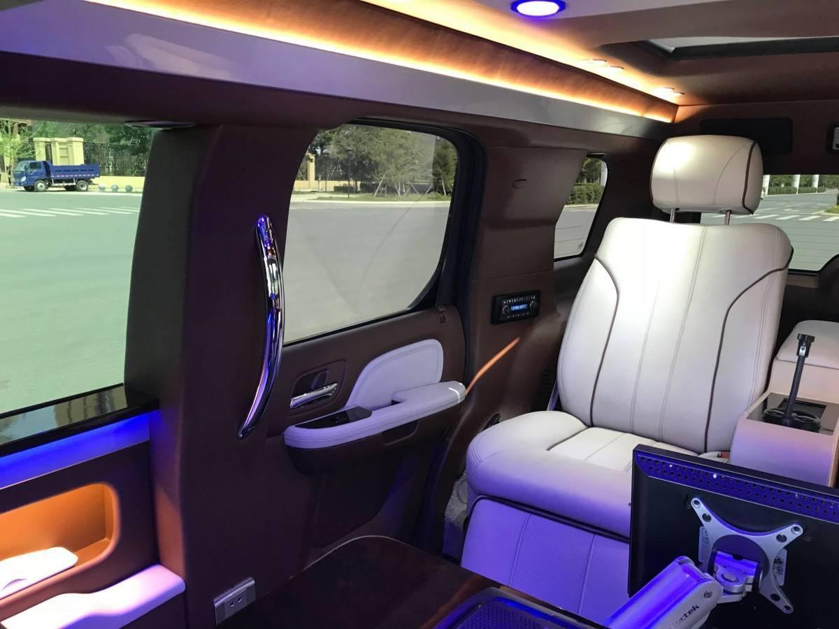 凯迪拉克 凯雷德ESCALADE  2010款 6.0 Hybrid图片