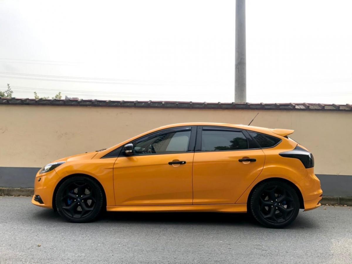 福特 福克斯  2013款 2.0T ST 橙色版图片