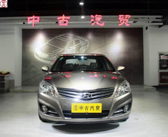 【苏州】2011年3月 现代 悦动 1.6l 手动舒适型 黄色 自动档