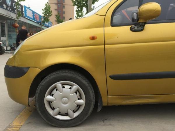 【济南】2012年9月 雪佛兰 乐驰 1.0 黄色 手动挡图片