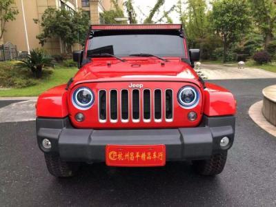 Jeep 牧马人  3.0L 四门 舒享版图片