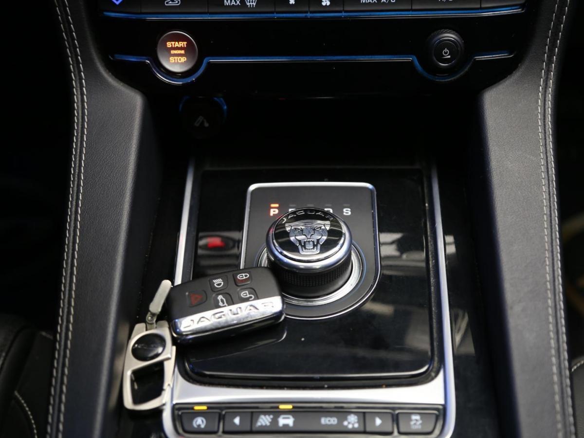 捷豹 F-PACE  2016款 3.0 SC 四驱R-Sport运动版图片