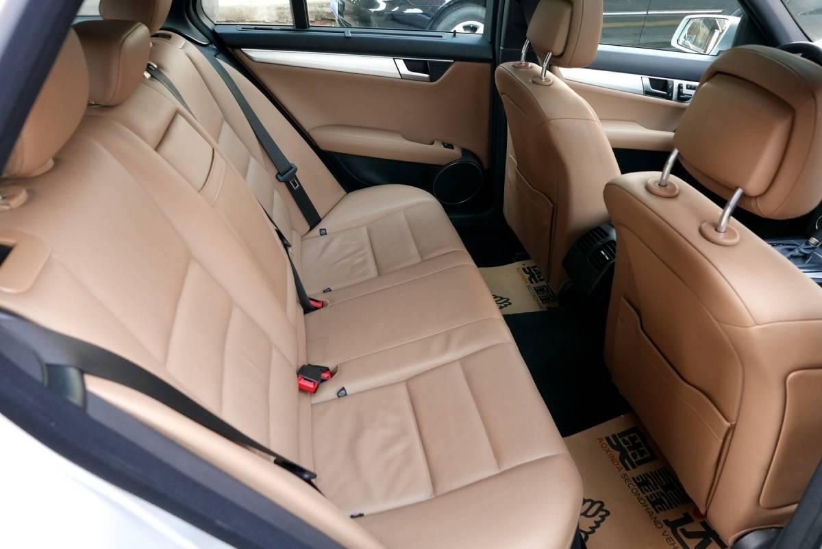 奔驰 奔驰C级  2011款 C 200 时尚旅行版图片