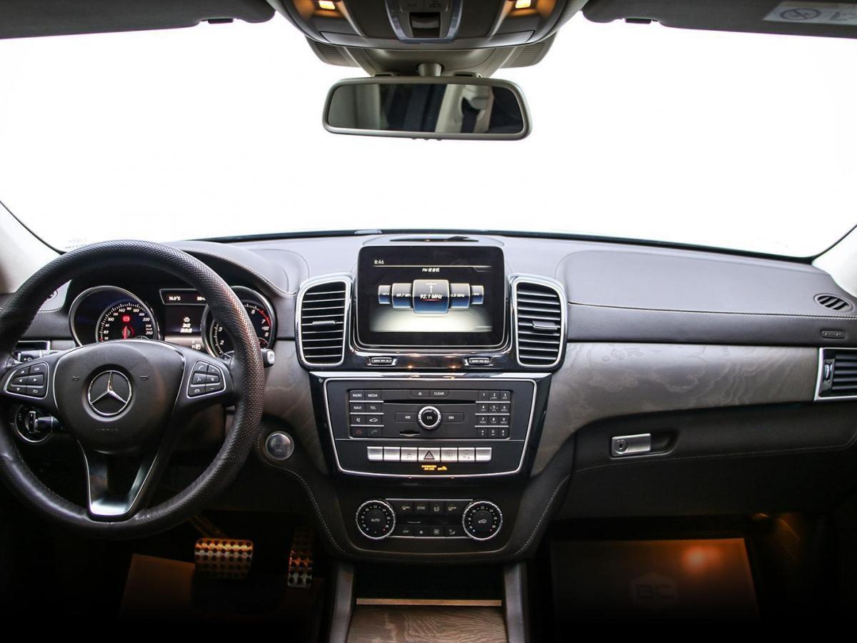 奔驰 奔驰GLE  2019款 GLE 400 4MATIC 臻藏版图片