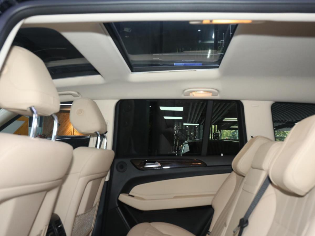 奔驰 奔驰GLS  2018款 GLS450 4MATIC 3.0T 美规版图片