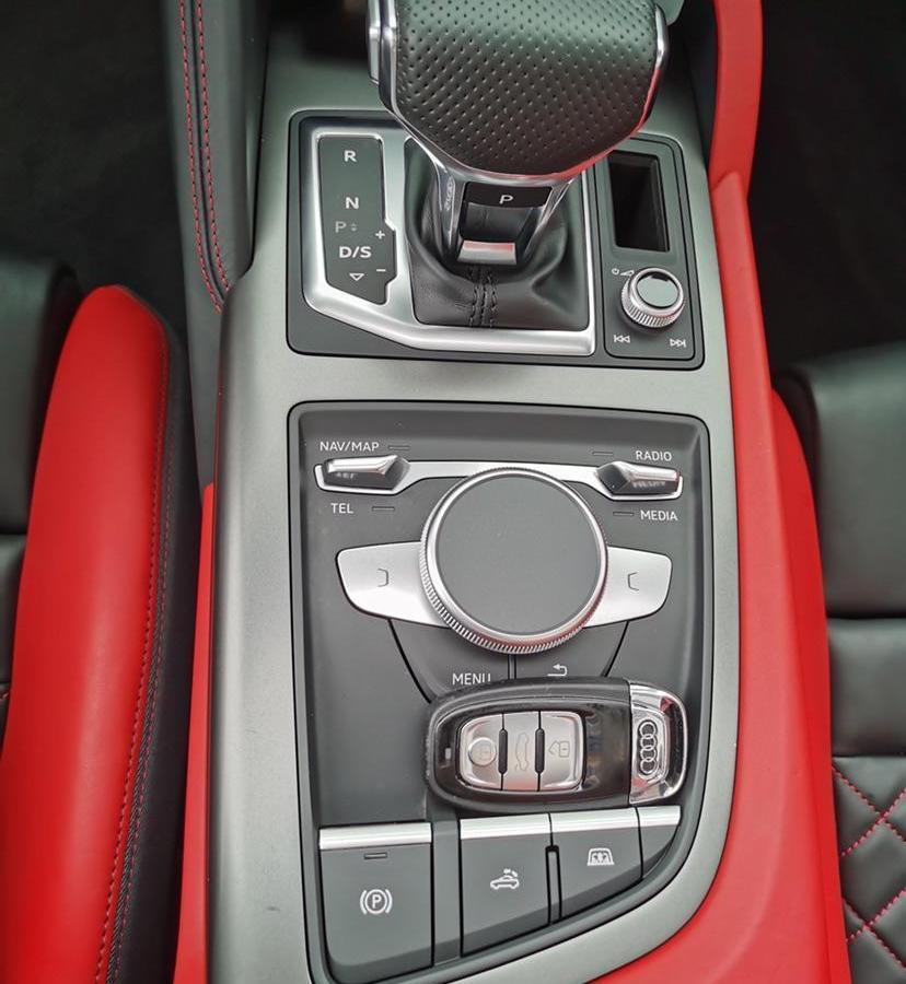 奥迪 奥迪R8  2017款 V10 Spyder图片