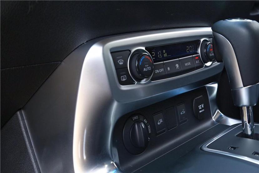 2019款奔驰X250D柴油皮卡图片