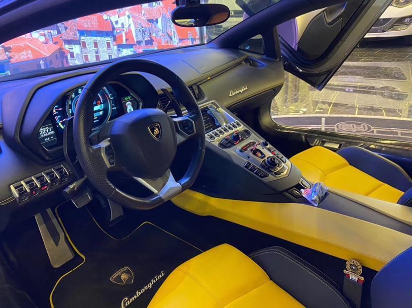 兰博基尼 Aventador  2013款 LP 700-4 Roadster图片