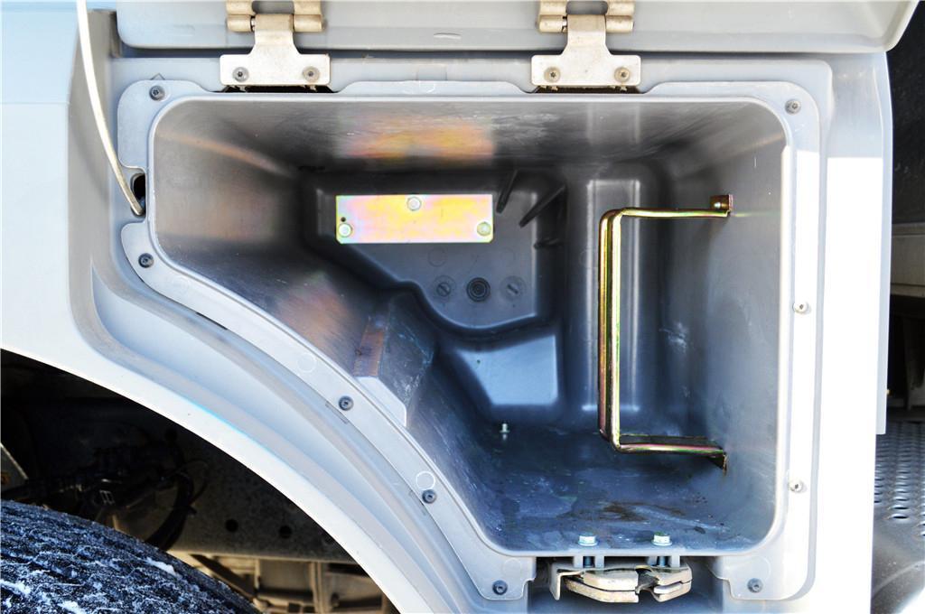 奔驰Axor 重卡 自动版图片