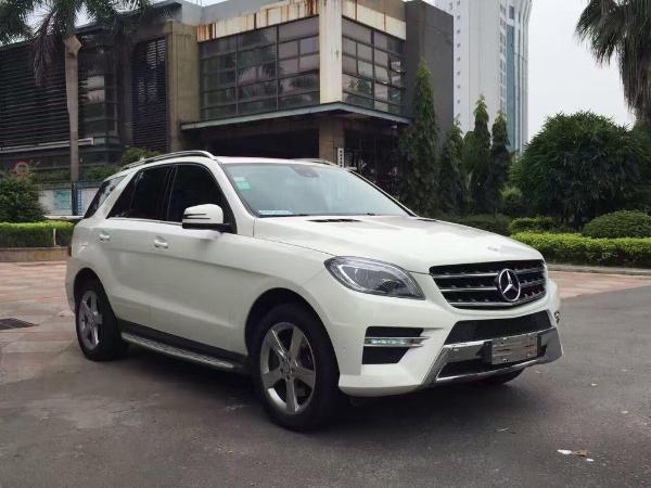 【漳州】2013年8月 奔驰 m级 ml300 3.5 四驱版 白色 手自一体