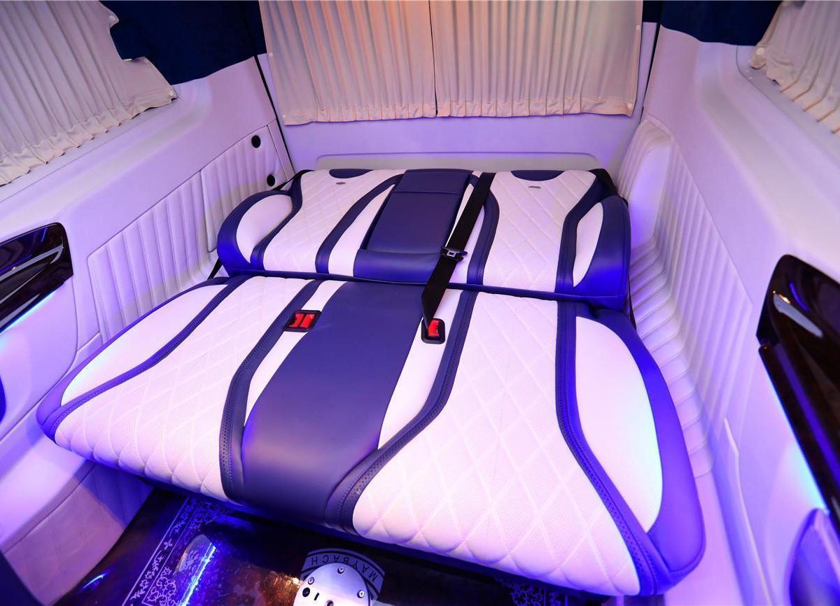 奔驰 威霆  2020款 2.0T 精英版 7座图片
