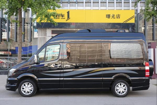 奔驰 斯宾特 324 3.5 图片