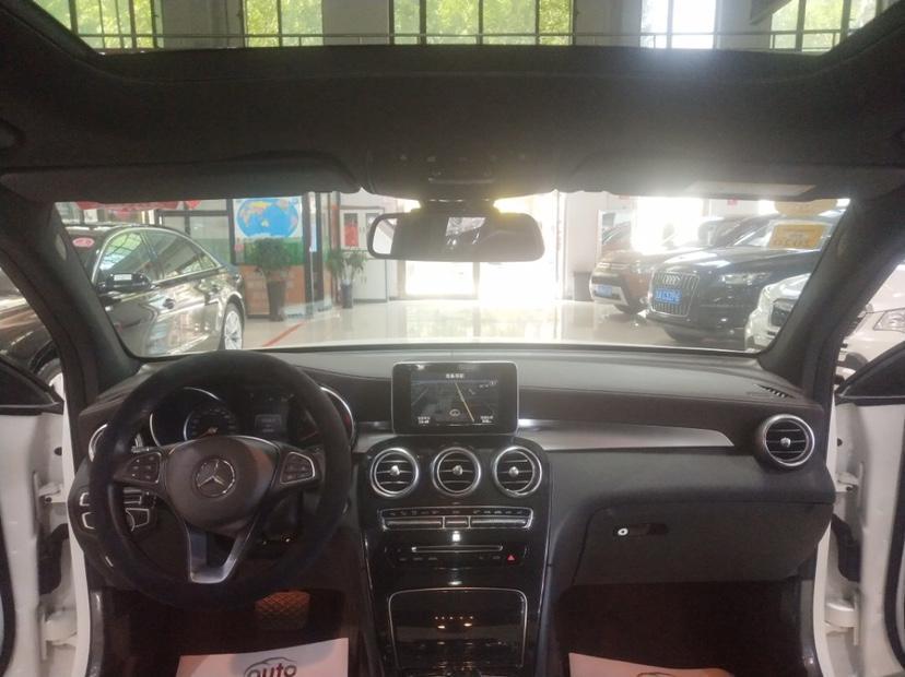 奔驰 奔驰GLC  2017款 GLC260 2.0T 4MATIC 动感型图片
