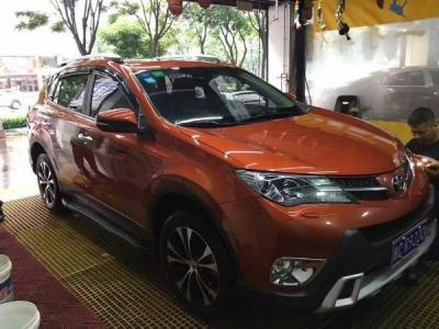丰田 RAV4 2.5 四驱尊贵版