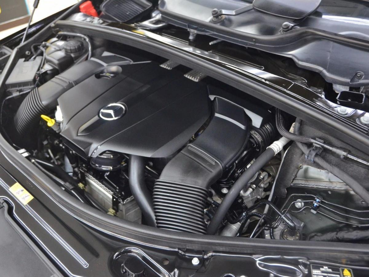 奔驰 奔驰R级  2015款 R 320 4MATIC 豪华型图片