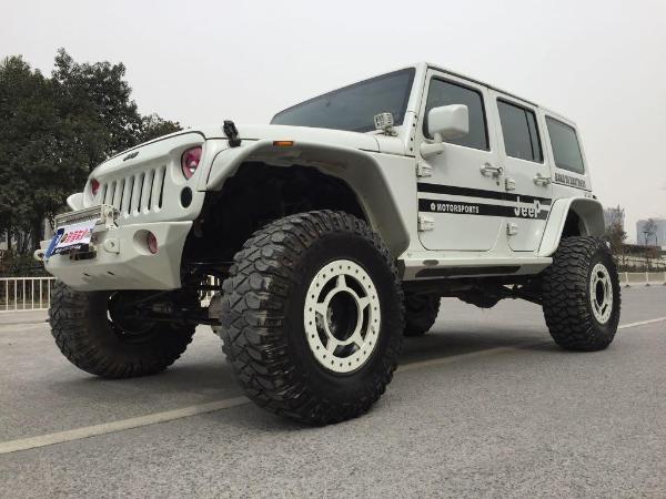 【杭州】2013年12月 jeep 牧马人 3.6 四门 rubicon 白色 自动档