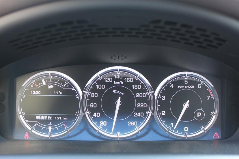 捷豹 XJ  2014款 XJL 3.0 SC 四驱旗舰商务版图片