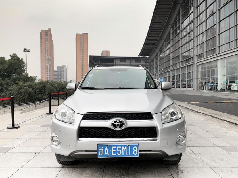 2012年2月 丰田 RAV4荣放 2.4L 自动四驱豪华版图片