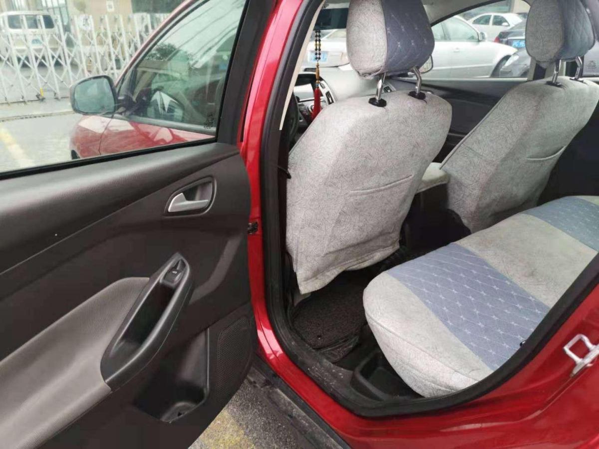 福特 福克斯  2012款 两厢 1.6L 手动舒适型图片
