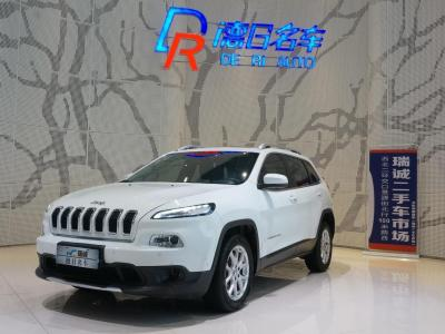 Jeep 自由光 2.0L 優越版