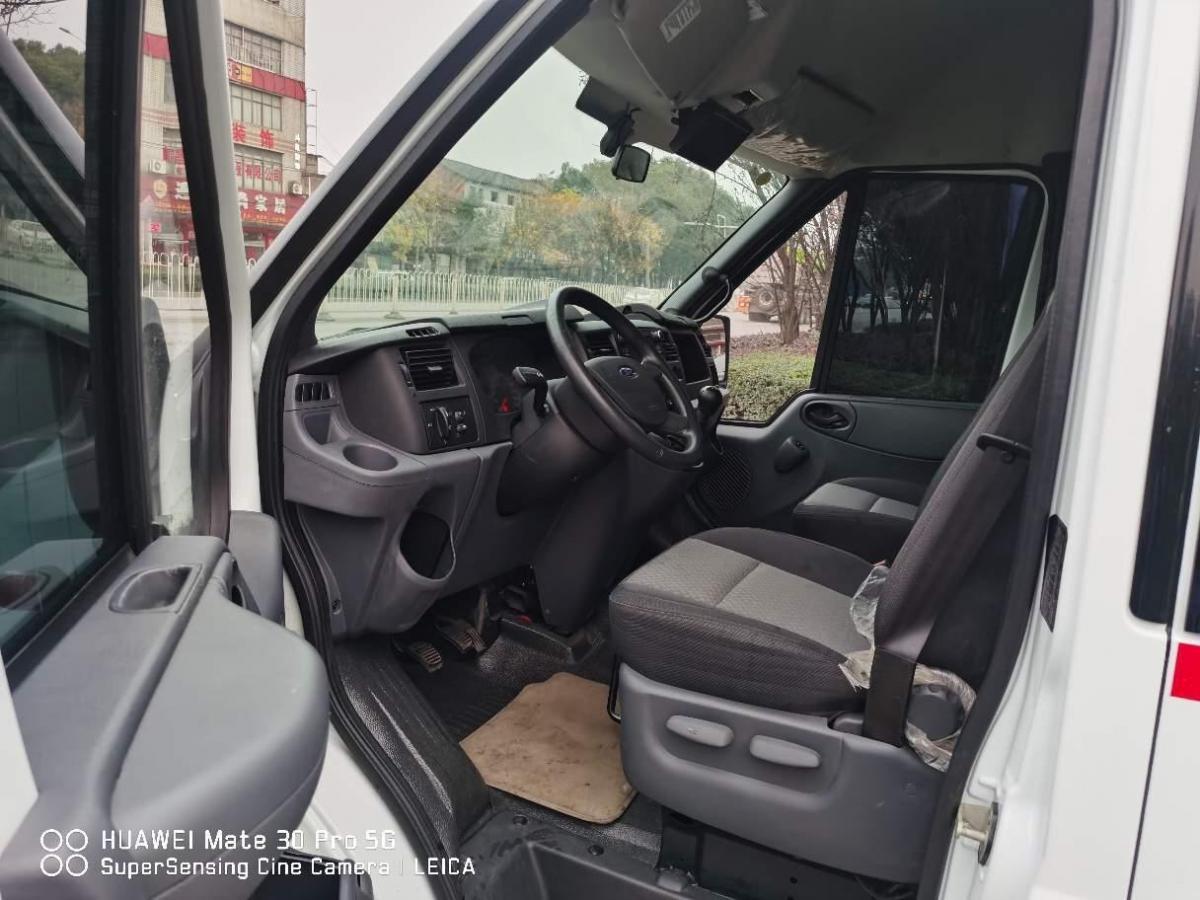 福特 新世代全顺  2019款 2.2T多功能加长轴中顶3座国VI图片