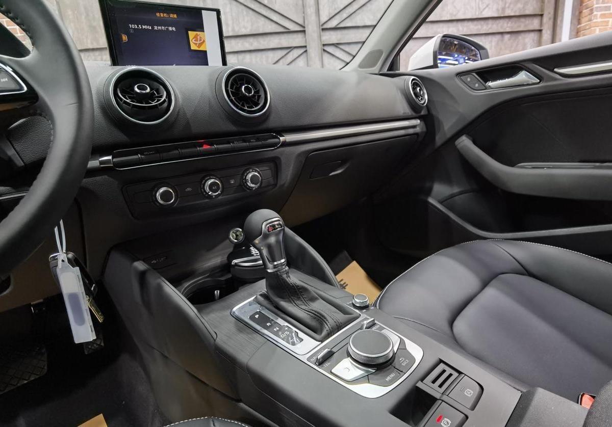 奥迪 奥迪A3  2019款 Limousine 35 TFSI 时尚型 国VI图片