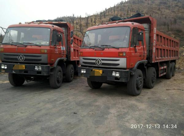 红色货车图片素材